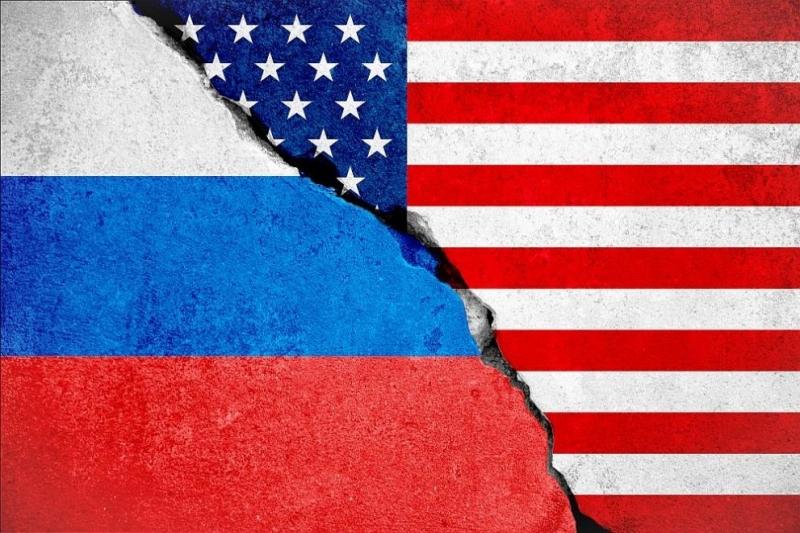 Тринайсет руснаци и три руски юридически лицабяхаобвинениднес катосъучастницивзаговорзанамесавпрезидентските изборивСАЩпрез2016г., обяви