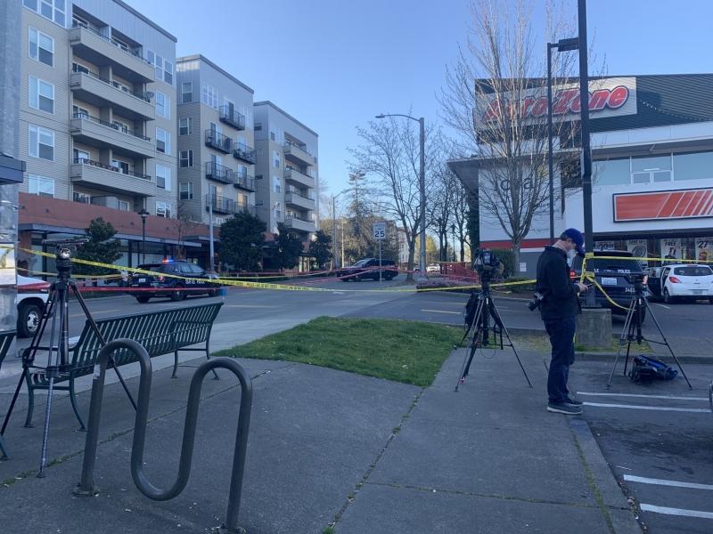 Четирима души са ранени при стрелба в центъра на американския