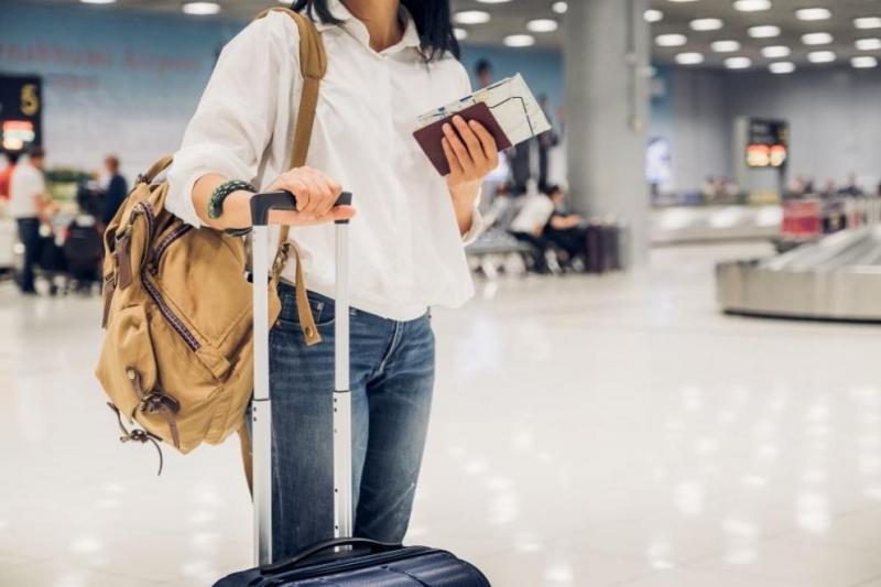 Великобритания ще позволи подновяването на международните пътувания от 17 май,