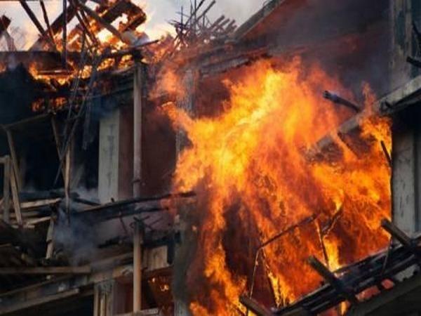 Голям пожар е избухнал преди минути в белослатинското село Бъркачево.
