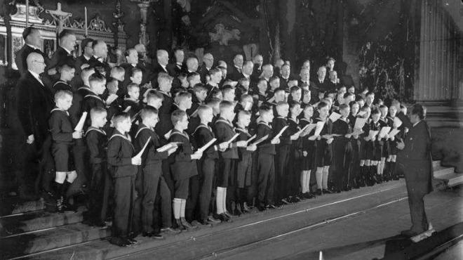 Снимка: Германка съди момчешки хор, иска дъщеря ѝ да пее в него