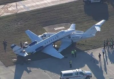 Два малки самолета се сблъскаха на международното летище в Сан