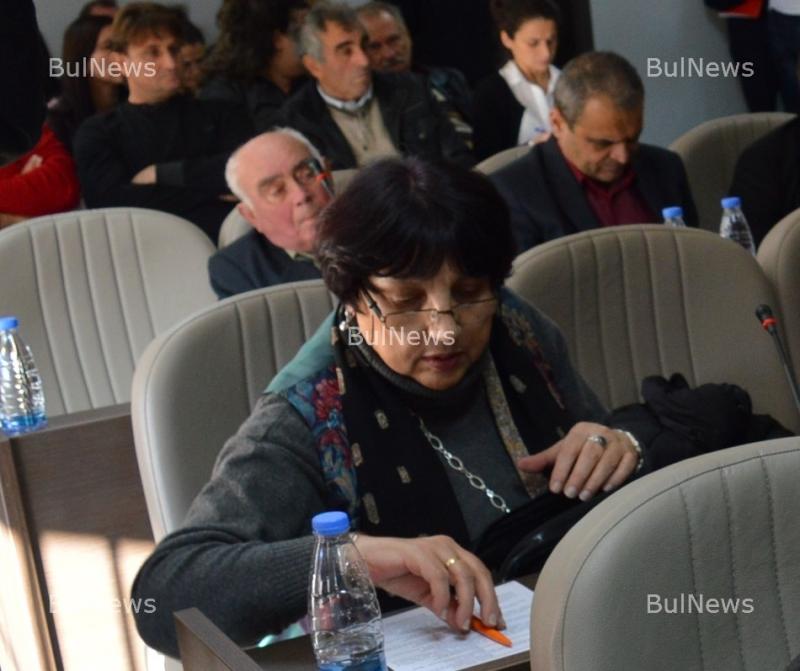 Съветничка от Враца обвини колегите си във фалшификация