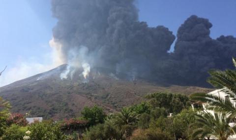 Снимка: Вулканът Попокатепетъл изригна 14 пъти