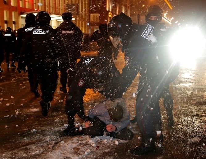 Състоялите се в събота в десетки градове на Русия протестни