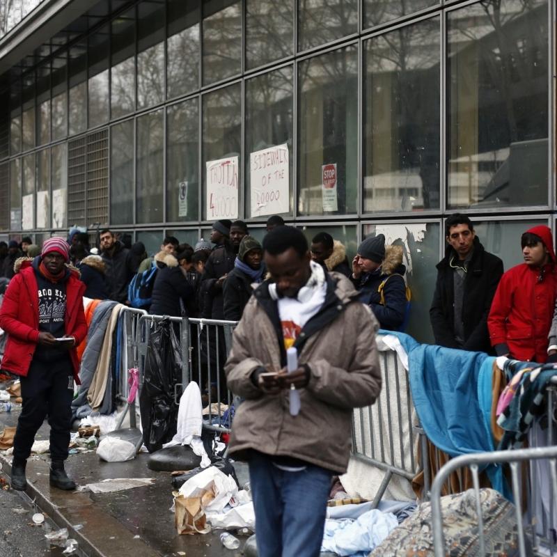 Близо 3000 бездомници са регистрирани в Париж в нощта срещу
