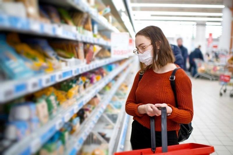 Страхът от разболяване от коронавирус ограничи контактите ни с хора,