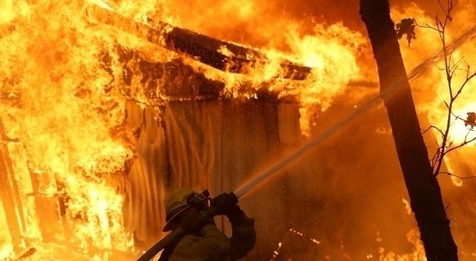 Четирима души загинаха при пожар в склад на селскостопанското предприятие