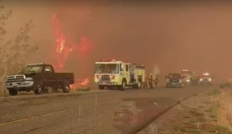 Близо 8 000 души са евакуирани в Калифорния заради голям