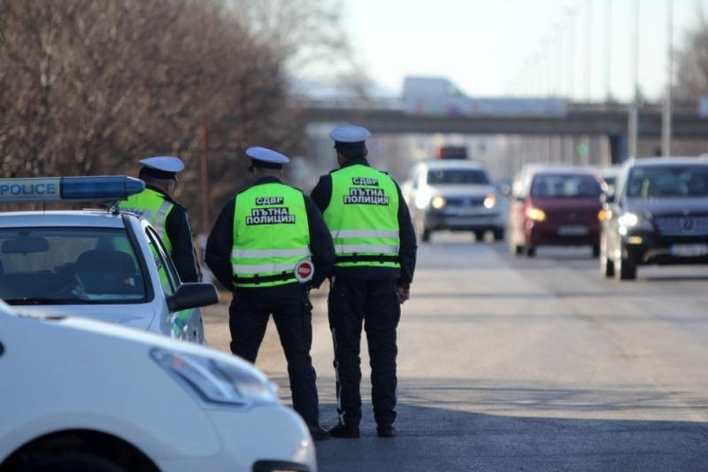 От днес пътните полицаи ще следят за нарушители в малките