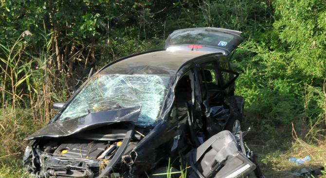 Снимка: 84-годишна е ранена при катастрофа край Варна