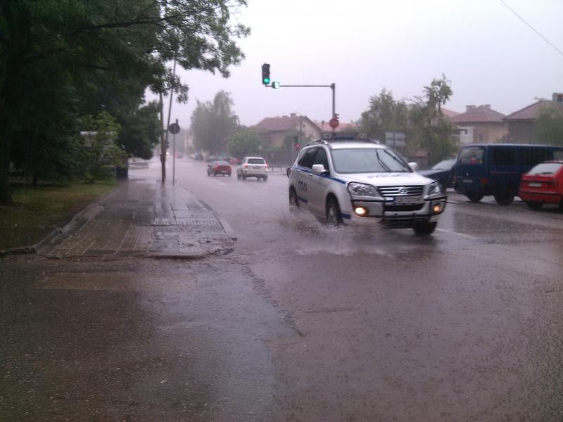 Проливен дъжд се изля над Монтана за около час. В