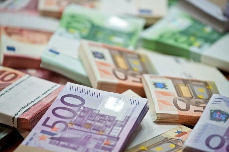 Честито! Бойко Борисов днес ни натресе нов дълг от 5 млрд. лв.