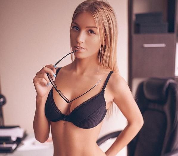 Катерина Новакова е от новата вълна красавици от Русия, които
