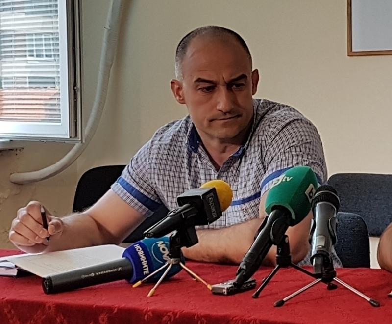 Директорът на полицията във Враца Янко Янколов загадъчно не се