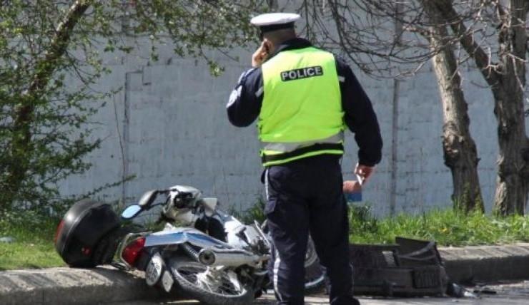 Нередовен моторист от Врачанско си спретнал гонка с монтански полицаи,