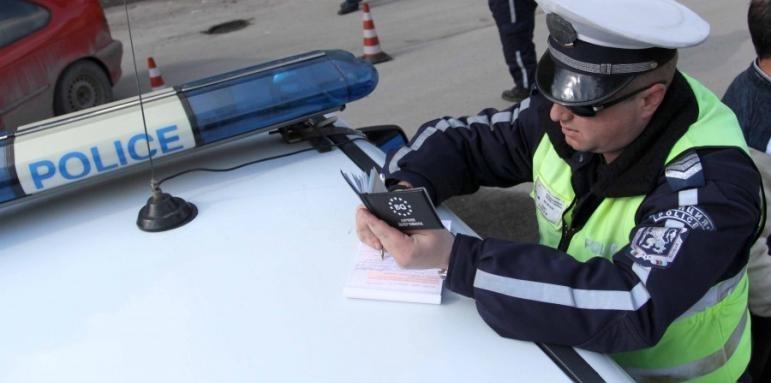 """Полицията засече почерпен шофьор, който рулирал с """"Ауди 80"""" из"""