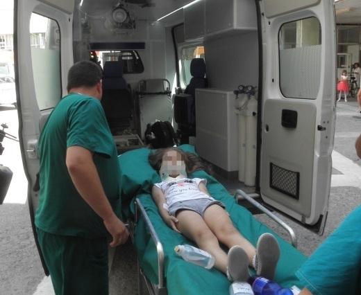 Дете е пострадало, след като е паднало от строеж на