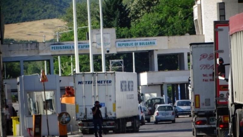 От тази нощ гръцките власти възстановиха системата за подаване на