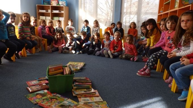 Снимка: Писатели се срещат с деца и ученици в Монтана, Видин и Лом