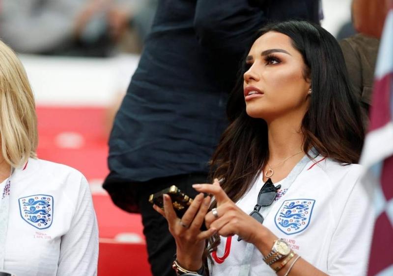 Красотата на половинката на английския национал Деле Али - Руби
