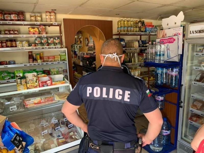 Служители на реда са проверили хранителни магазини в Монтанско, съобщиха
