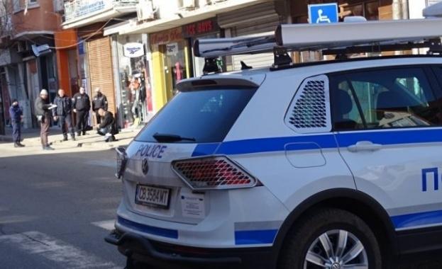 Продължава издирването на 2-годишно момче от село Равнец. Полицаите влязоха