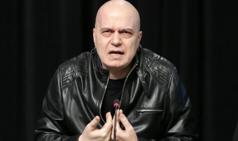 """Слави Трифонов се възмути от """"поголовната некадърност"""" на Българската агенция"""