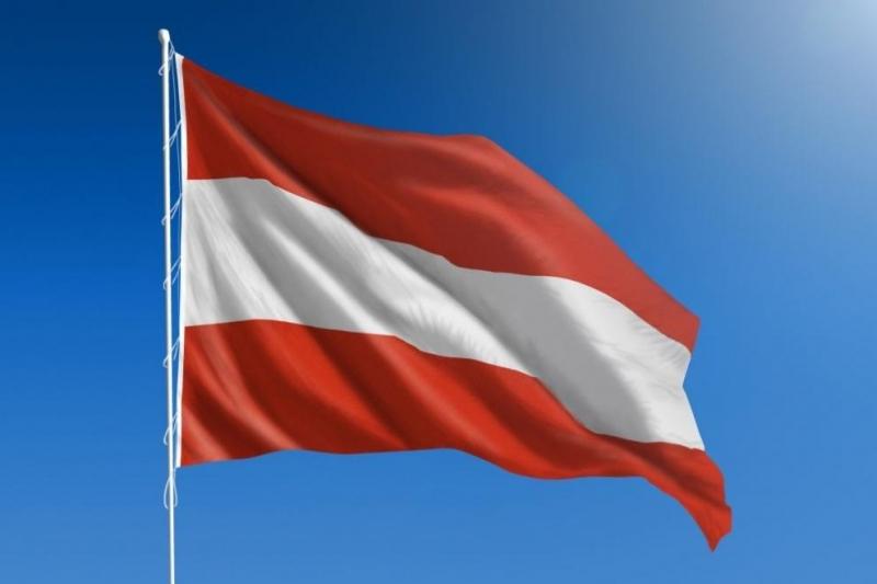 Австрия затвори днес от 05.00 часа сутринта сухопътната си граница