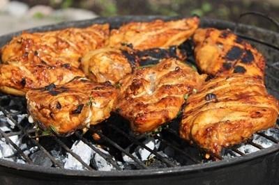 Отказът от порция червено или преработено месо дневно и замяната
