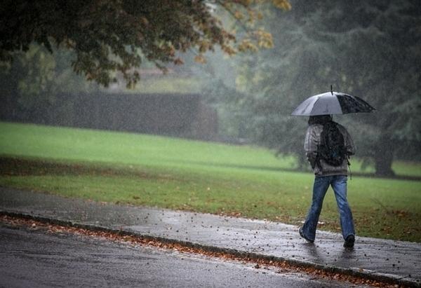 Топлата пролет за кратко отстъпва на захлаждане, дъжд и ниски температури