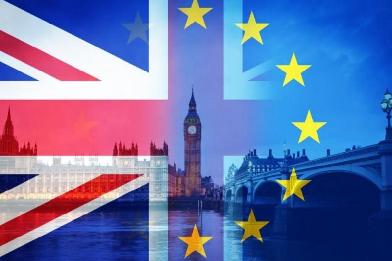 """Редица компании се оттеглят от Великобритания заради Брекзит, пише в.""""Гардиън""""."""