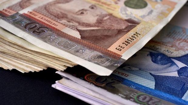 В 11 области в страната средната заплата вече е над 1000 лева