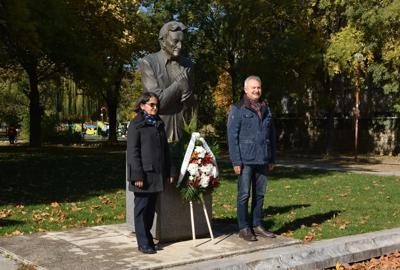 Кметът на Монтана Златко Живков поднесе венец пред паметника на
