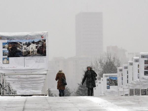 Със сняг и студ ще започне новата седмица, сочи прогнозата