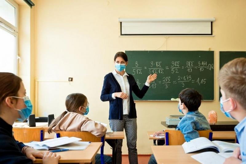 При положителна проба на коронавирус сред учениците, ще се изолира