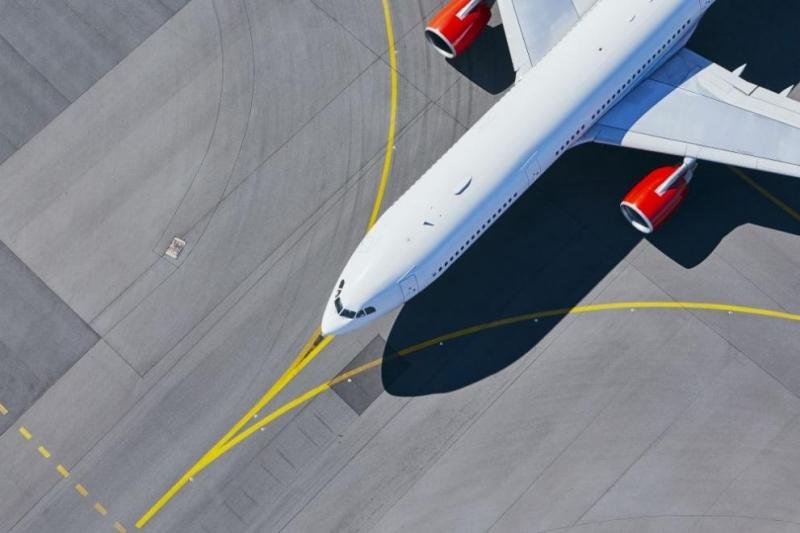 Полша планира да удължи забраната за международни полети до 16