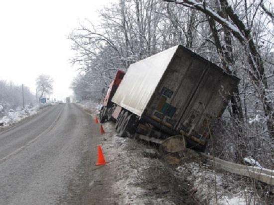 Два камиона катастрофираха на главен път Е-79 между Монтана и