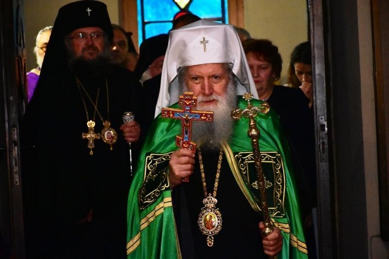 Продължават Свети-Софрониевите чествания във Враца. Патриарх Неофит вече пристигна в