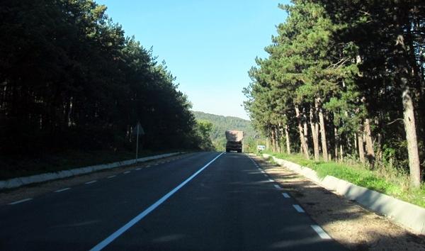 І. МЕТЕОРОЛОГИЧНА ОБСТАНОВКА: Със слаб до умерен, в Източна България