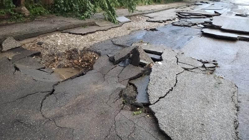 Пороен дъжд наводни Лом и нанесе сериозни щети, научи агенция