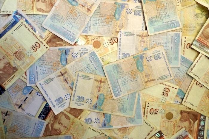 67 нови милионери за последната една година в България