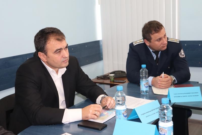 Шефът на полицията във Видин проведе брифинг с кметовете на 11-те общини от областта