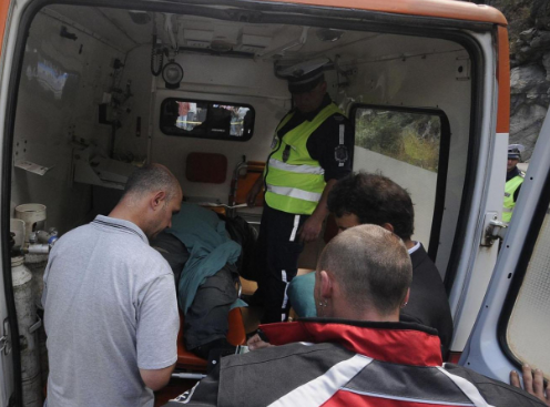 Дядо катастрофира в крайпътен знак във Врачанско, съобщиха от пресцентъра