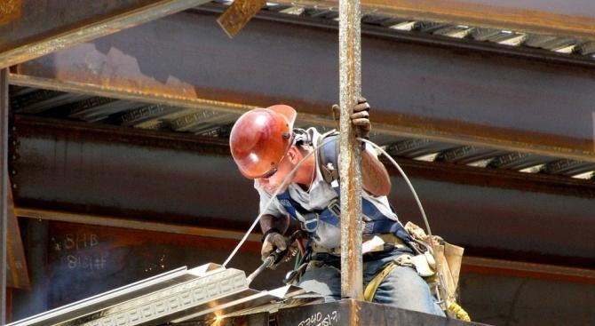 71-годишен мъж е загинал при извършване на ремонтна дейност. Това
