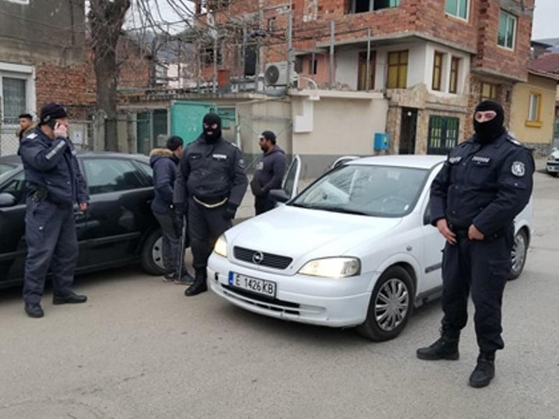 Тарашиха дома на измамник от Боровци, намериха множество доказателства за укриване на доходи в големи размери