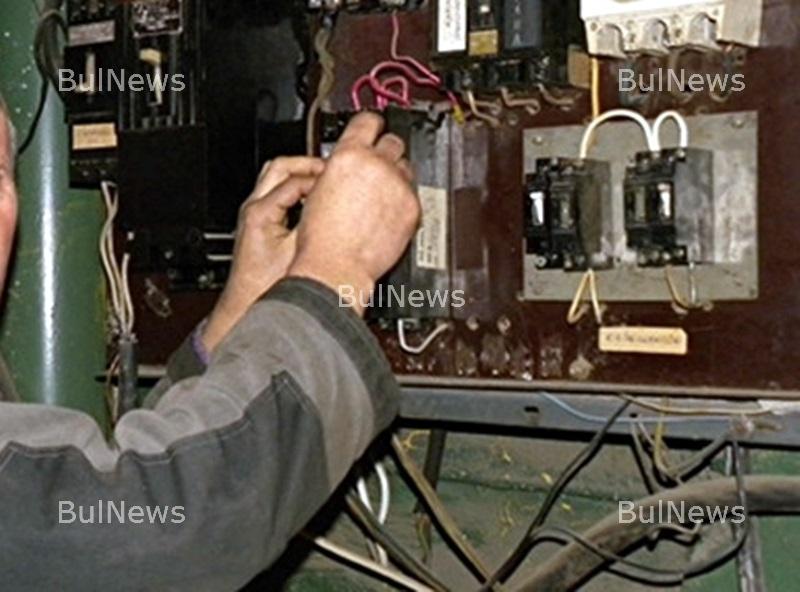 Акция на полицията установи крадци на ток