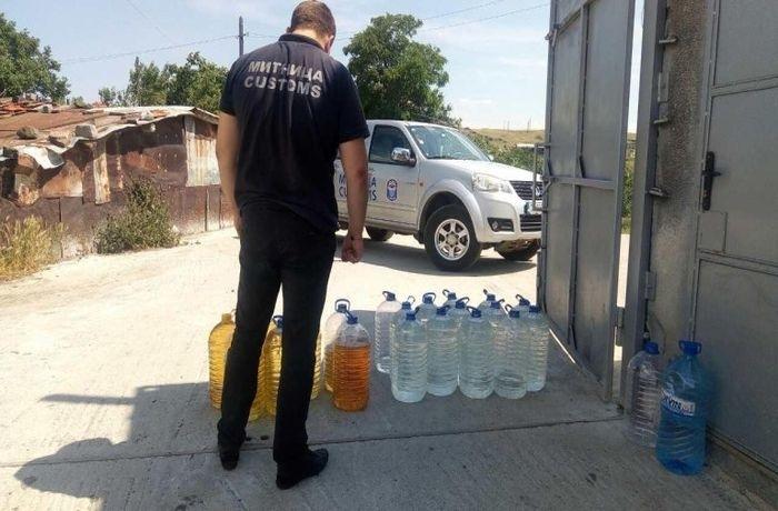 Над 70 литра алкохол са конфискувани от къща в Брегово,