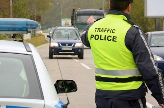 """Вчера полицаи от Монтана са спипали 15-годишен да кара """"Форд"""