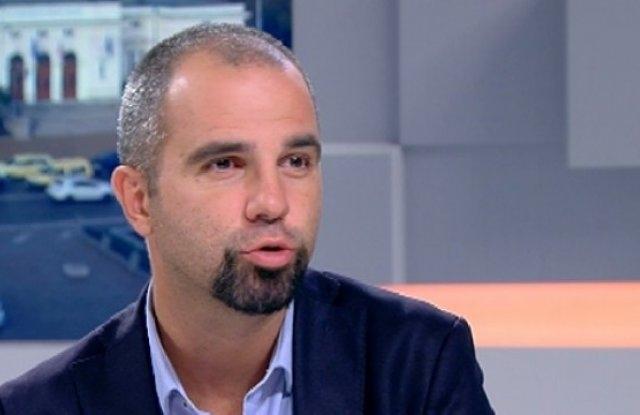 Първан Симеонов: В ГЕРБ тече прочистване на партията